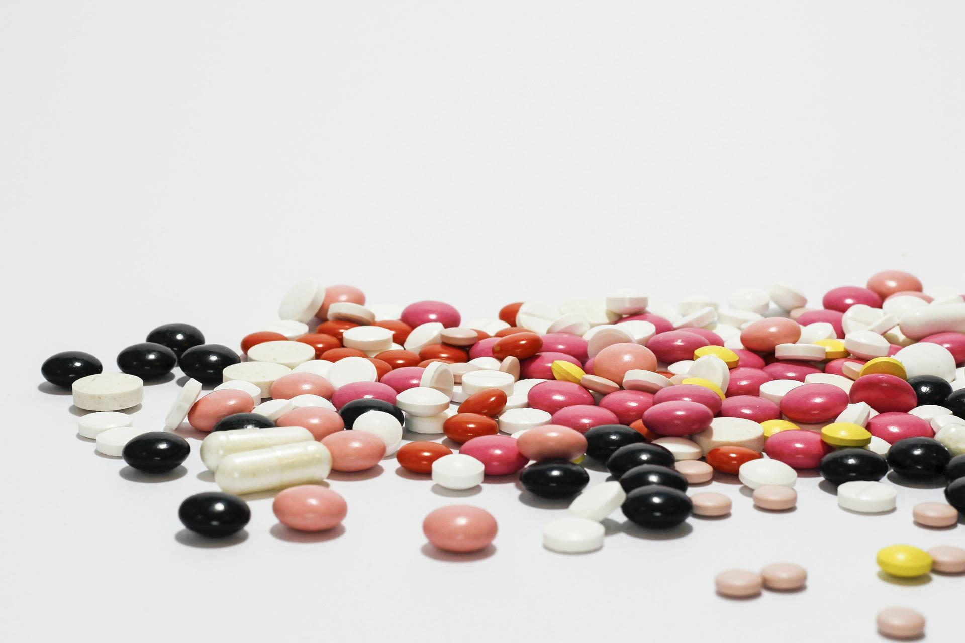 medications-342462_1920